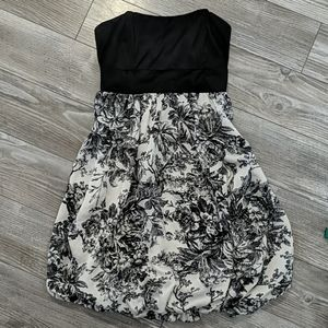 ⭐4/$25⭐ Forever 21 Floral Print Balloon Dress